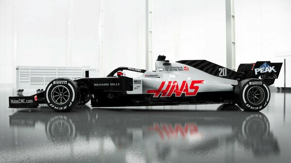 Болид команды Формулы-1 Хаас