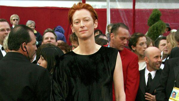 Актриса Тильда Суинтон на церемонии вручения премии Оскар, 2008 год
