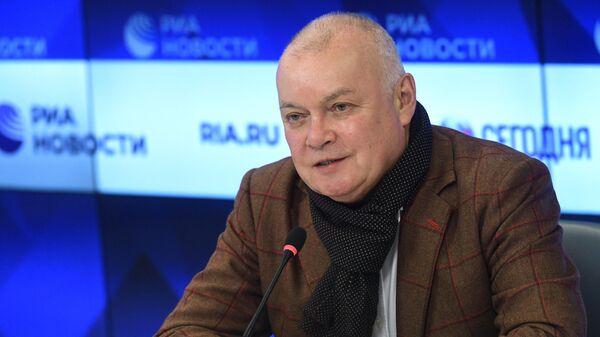 Генеральный директор МИА Россия сегодня Дмитрий Киселев во время пресс-конференции, посвященной развитию системы дипломатической службы в России и актуальным вопросам работы Дипломатической академии МИД России