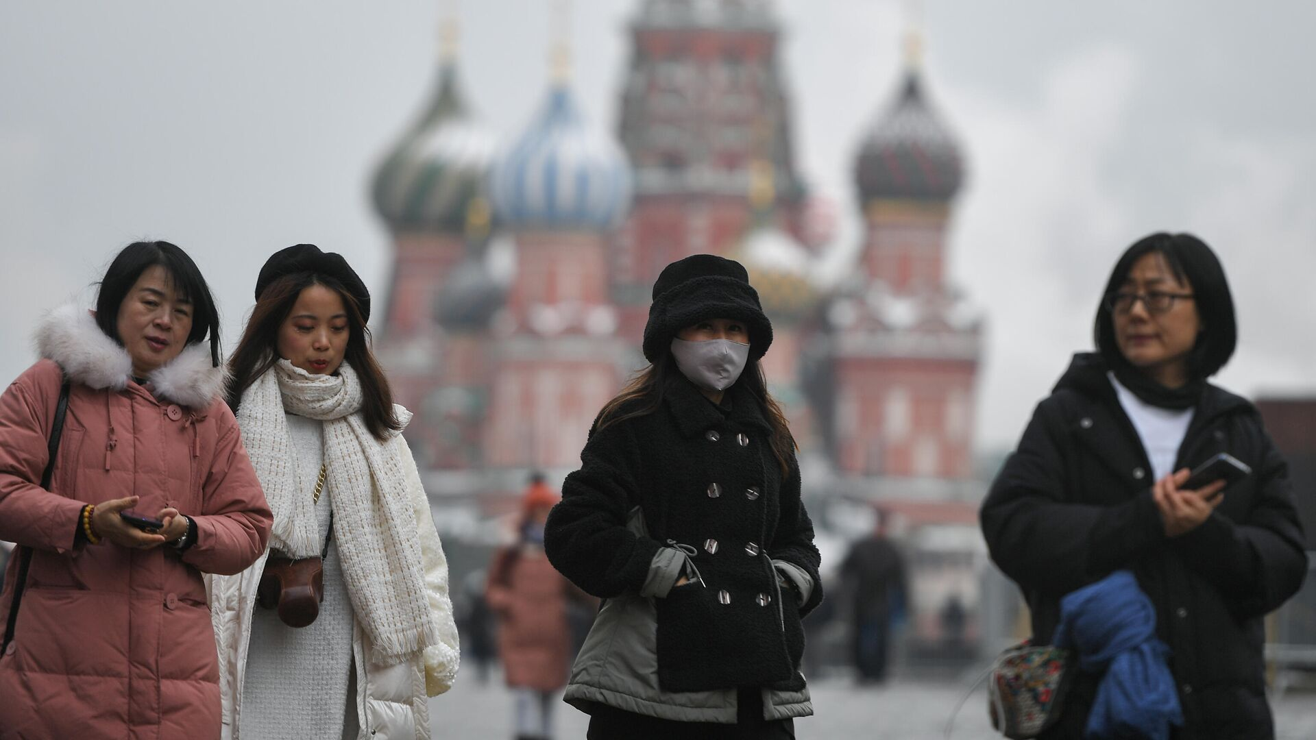 Туристы на Красной площади в Москве - РИА Новости, 1920, 02.12.2020