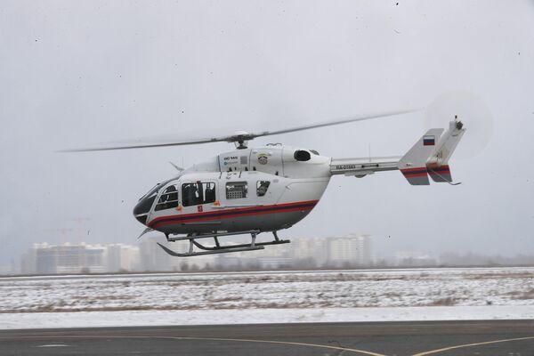 Вертолет МАЦ отправляется на дежурство