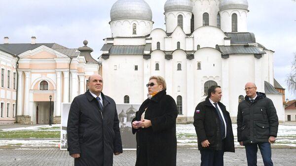 Председатель правительства РФ Михаил Мишустин во время посещения Новгородского кремля