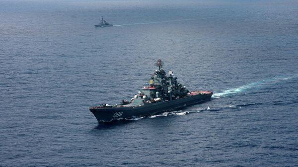 Тяжелый атомный ракетный крейсер Петр Великий в южной части Карибского моря