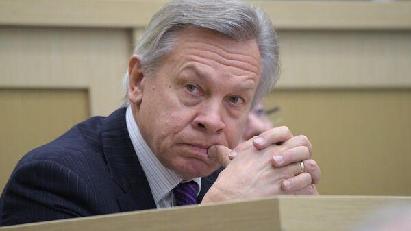 Сенатор Алексей Пушков на заседании Совета Федерации РФ
