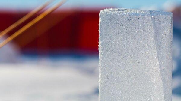 Тонкие слои древнего вулканического пепла во льду Антарктиды позволили точно определить, когда произошло массовое таяние