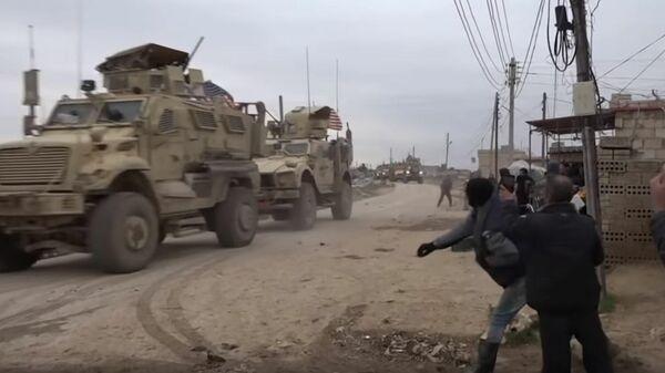 Кадры конфликта между американскими солдатами и местными жителями в Сирии