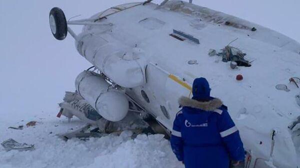 Место жесткой посадки вертолета Ми-8 на Ямале