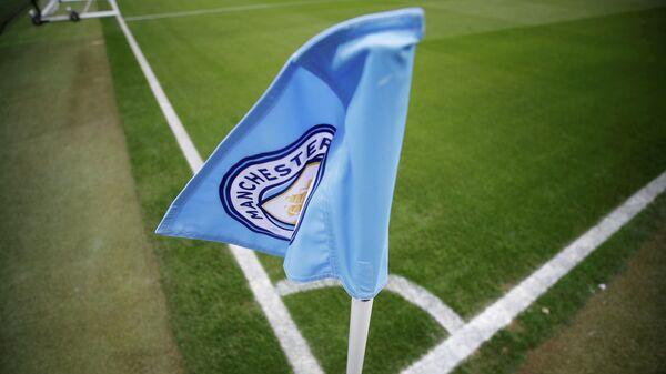 Угловой флажок с логотипом Манчестер Сити