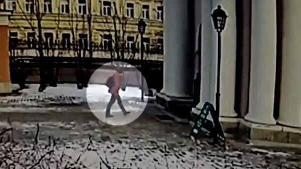 Кадры нападения в храме Святителя Николая в Москве