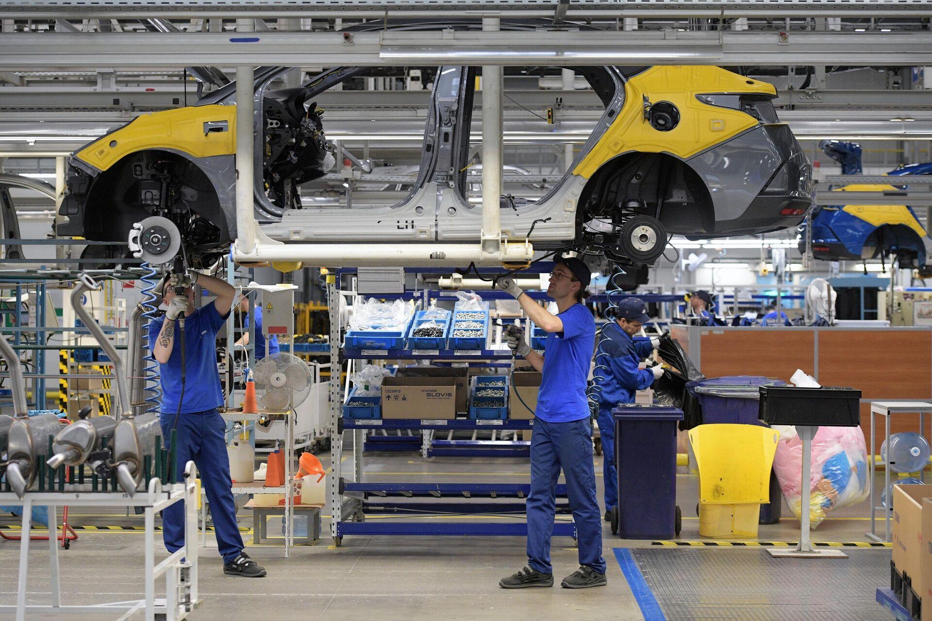 России грозит дефицит автомобилей: насколько вырастут цены