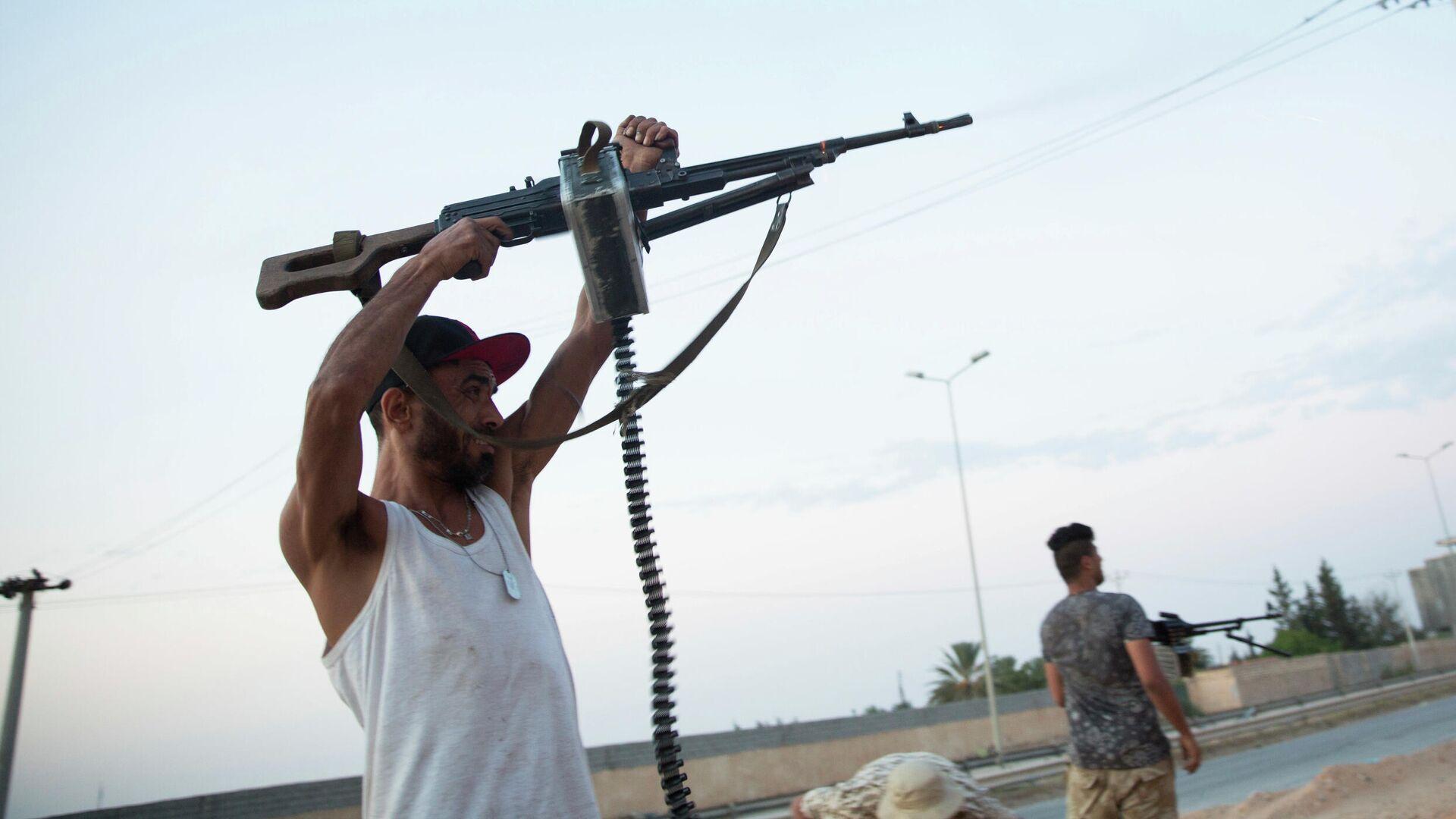 Малькевич прокомментировал освобождение россиян в Ливии