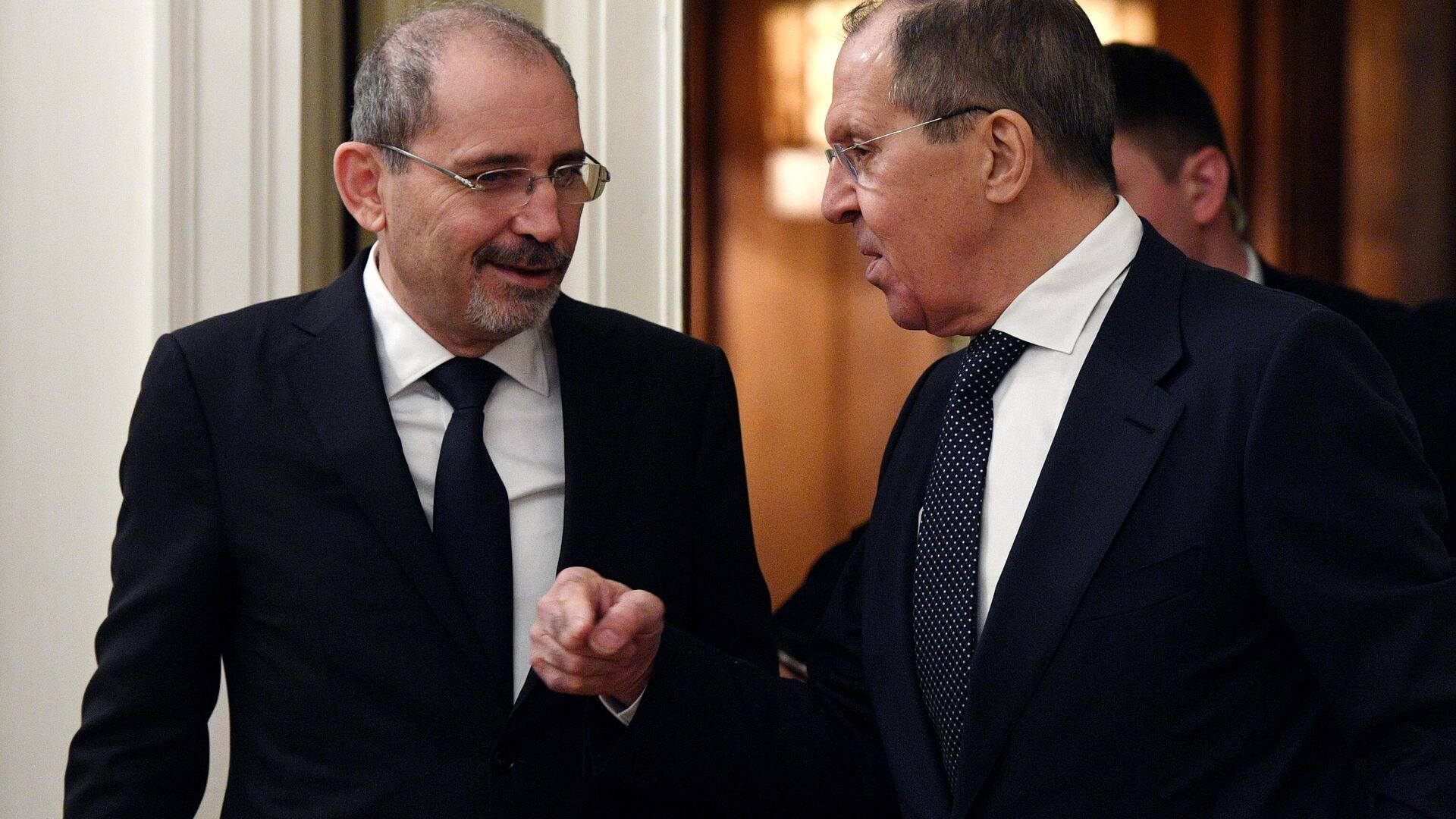 Лавров обсудил с главой МИД Иордании урегулирование в Карабахе
