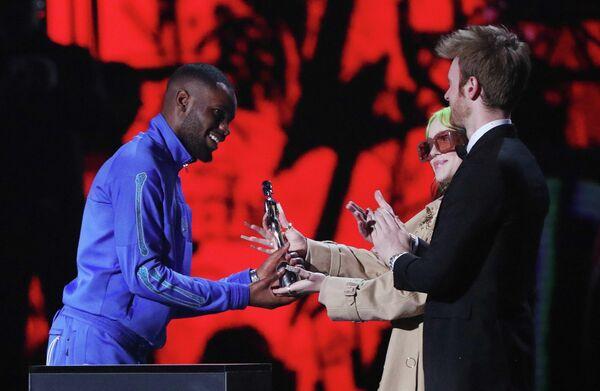 Рэпер Дэйв на церемонии вручения премии Brit Awards в Лондоне