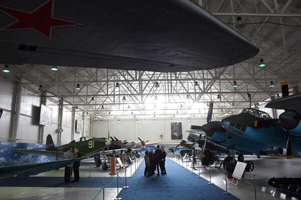 На открытии экспозиции Самолеты Великой Отечественной войны в Центральном музее Военно-воздушных сил в Монино