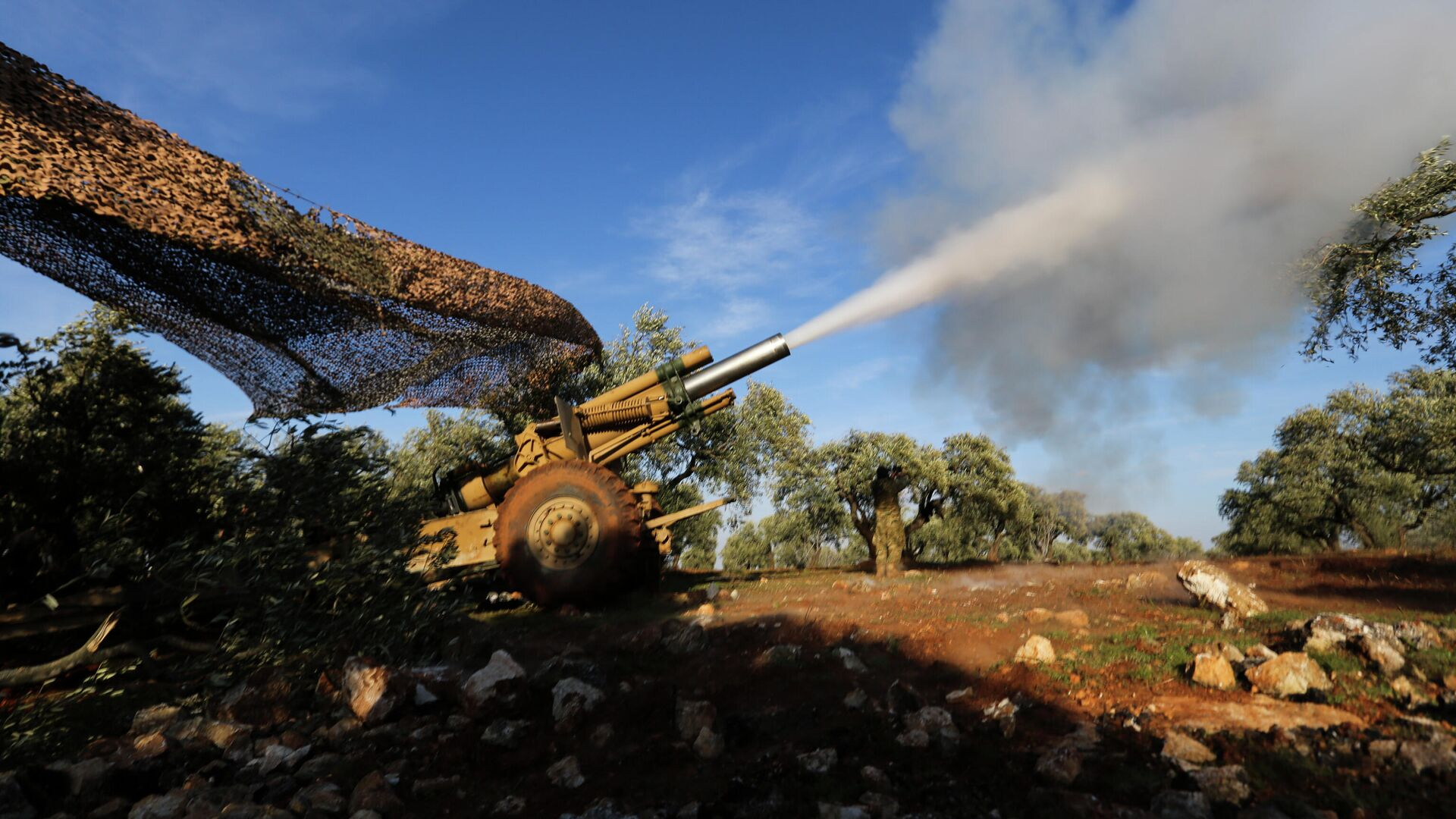 Боевики, поддерживаемые Турцией, ведут обстрел сирийских правительственных сил в провинции Идлиб - РИА Новости, 1920, 06.06.2021