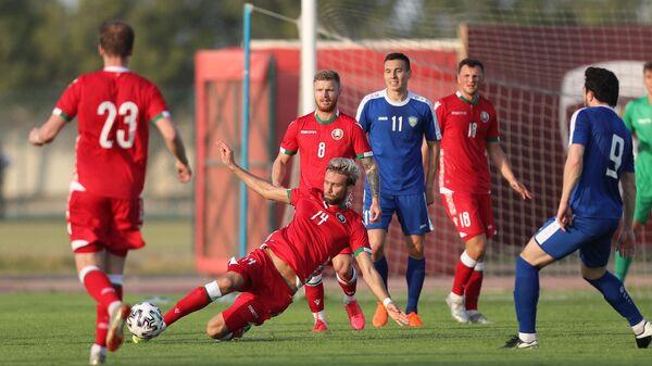 Игровой момент матча Белоруссия - Узбекистан
