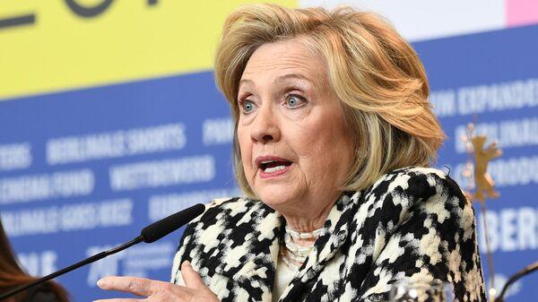 Бывший государственный секретарь США и первая леди Хилари Клинтон на пресс-конференции документального фильма Хиллари (Hillary) перед премьерой в рамках юбилейного 70-го Берлинского международного кинофестиваля Берлинале - 2020.
