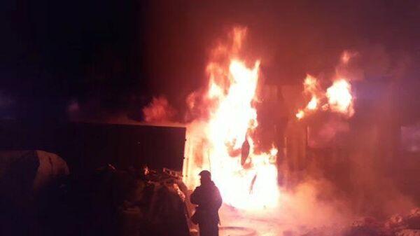 Тушение пожара на складе резиновых изделий под Красногорском
