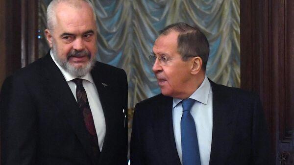 Министр иностранных дел РФ Сергей Лавров и премьер-министр, министром европейских и иностранных дел Республики Албания, действующий председатель ОБСЕ Эди Рама во время встречи