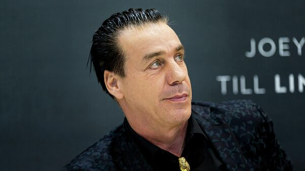 Немецкий вокалист, автор текстов песен и фронтмен метал-групп Rammstein и Lindemann Тилль Линдеманн