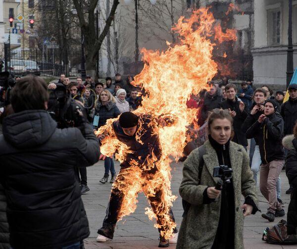 Мужчина поджог себя во время акции протеста в Киеве