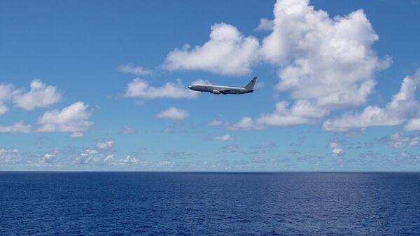 Американский самолет-разведчик P-8A Poseidon в районе острова Гуам в Тихом океане