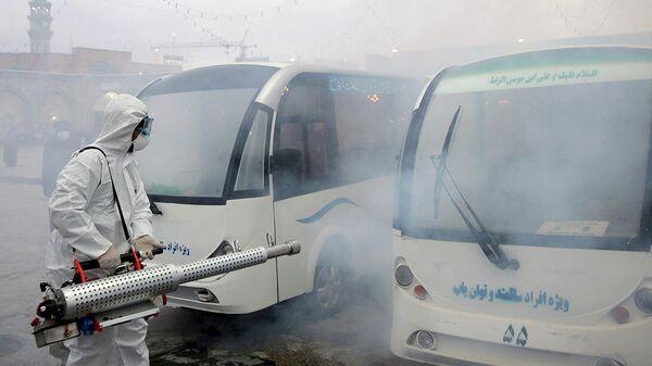 Дезинфекция мечети в городе Мешхед
