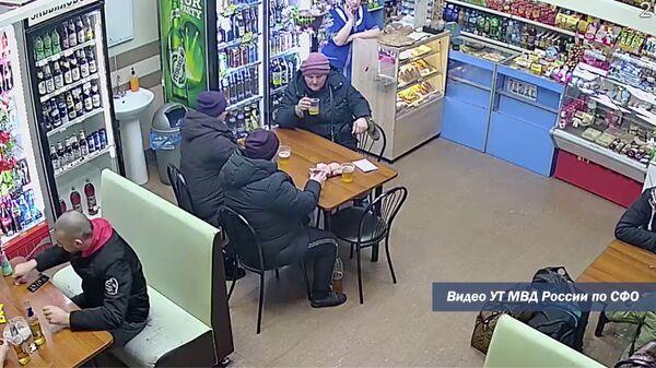Женщины устроили дебош в кафе на станции Барабинск из-за запрета пить в нем пиво