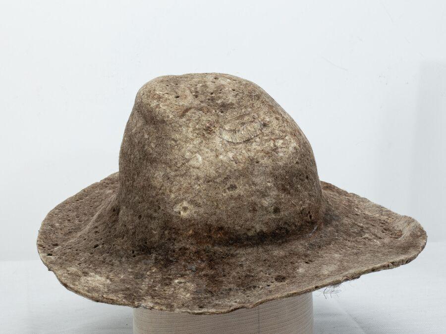 Войлочная шляпа Фаины Шаруновой