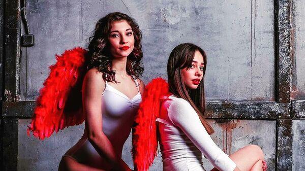 Девушки из группы поддержки ХК Спартак