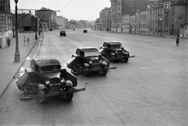 Уборка московских улиц в 1938 году