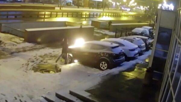 За машиной в автосалон москвы кредит банков под залог авто