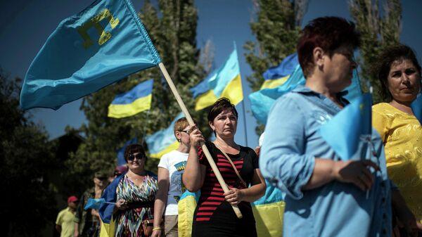 Лучше посидите дома. Россия готова встретить марш на Крым