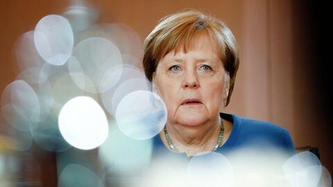 Ушла на карантин. Ангела Меркель взяла работу на дом