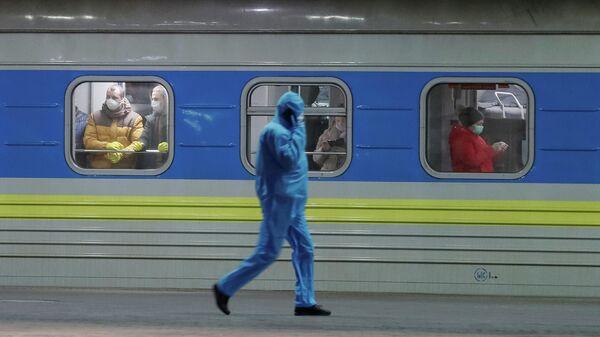 Поезд с гражданами Украины, прибывший из Латвии в Киев