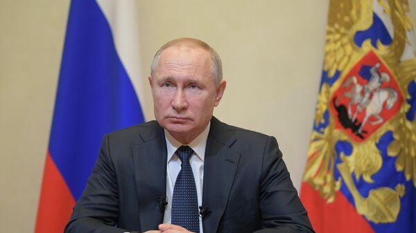 Президент РФ Владимир Путин во время обращения к гражданам из-за ситуации с угрозой распространения коронавирусной инфекции