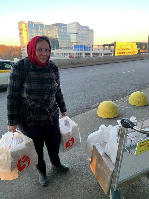Сбор еды для мигрантов из Средней Азии, застрявших в аэропорту Внуково