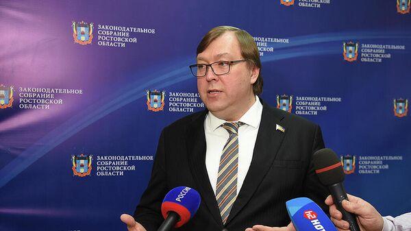 Депутаты ростовского заксобрания не пойдут на каникулы из-за COVID-19