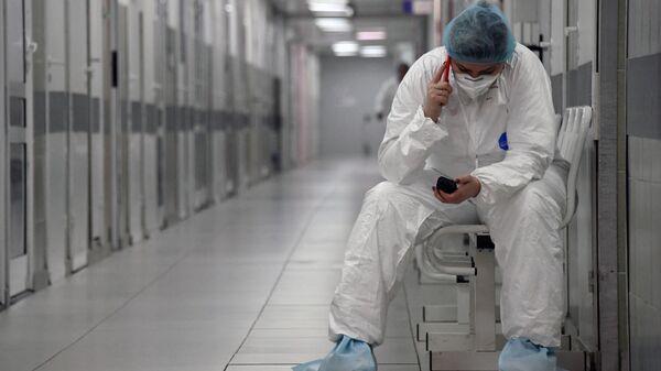 Врач московской больницы снял видео из реанимации с больными CoViD-19