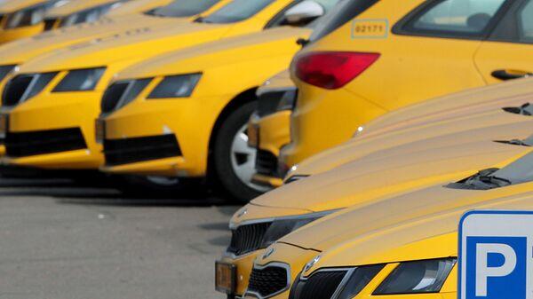 Сервис Gett заблокировал таксиста, силой высадившего пассажирку в Москве