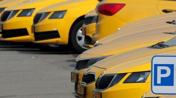Автомобили службы Яндекс Такси в Москве