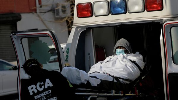 Пациент в автомобиле скорой помощи в США