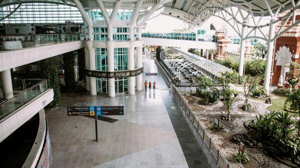 Международный аэропорт Нгурах-Рай города Денпасара на острове Бали в Индонезии