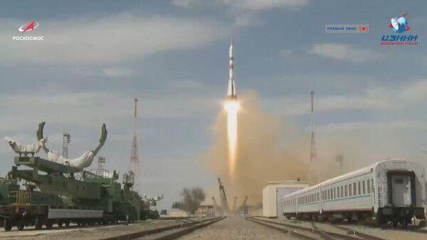 Кадры старта ракеты Союз-2.1а с Байконура
