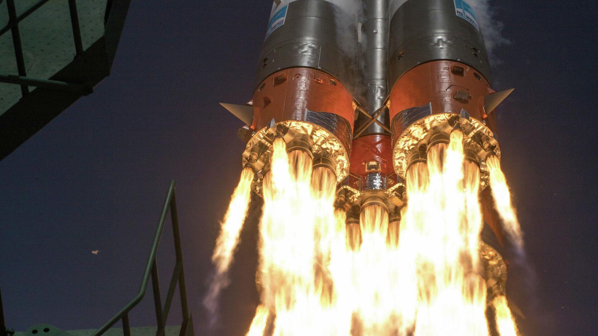 Старт ракеты-носителя Союз-2.1а с космодрома Байконур - РИА Новости, 1920, 24.12.2020