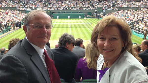 Ольга Морозова с мужем Виктором на центральном корте Уимблдона