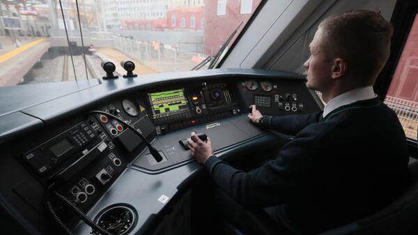 Машинист в электропоезде Иволга 2.0