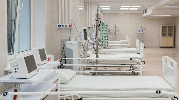 Палата в стационаре для приема пациентов с коронавирусной инфекцией на базе частной клиники К+31 Сити в Москве