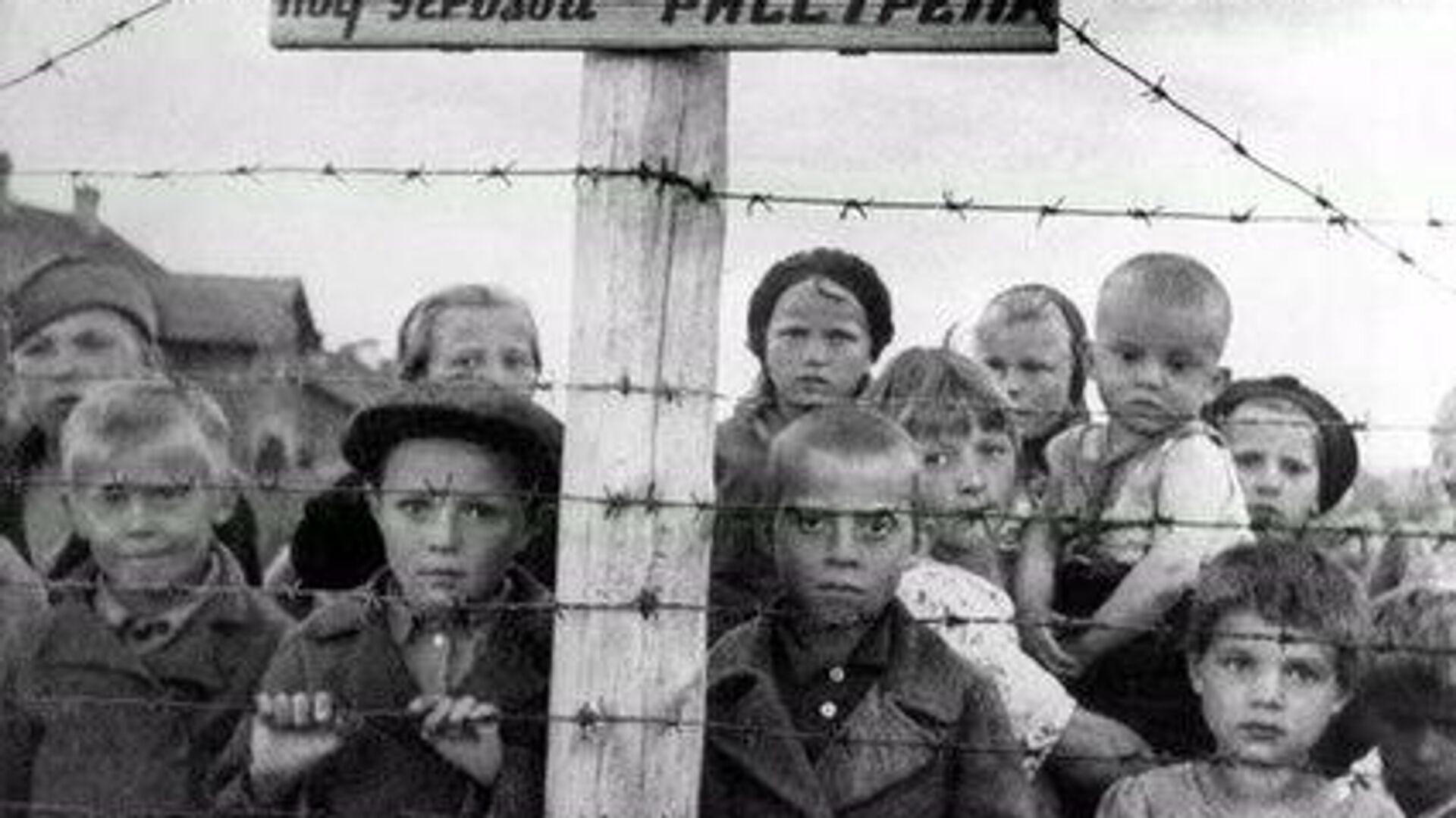 Дети в финском концлагерь в Петрозаводске - РИА Новости, 1920, 06.06.2021