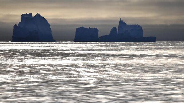 Айсберги у побережья Антарктиды